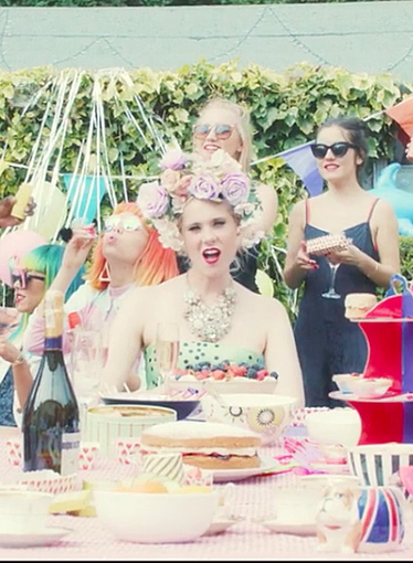 Kate Nash 'Good Summer' video
